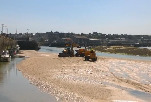 Mechanical dredging has started in Hayle Estuary   Photo by Lauren Bambury, assistant harbour maste